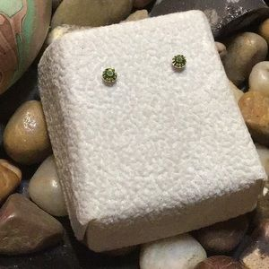 925 Green Crystal Stud Earrings w/bks